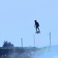 """Video: """"Ván bay"""" Flyboard Air phá vỡ kỷ lục thế giới với lộ trình 2.252 mét"""