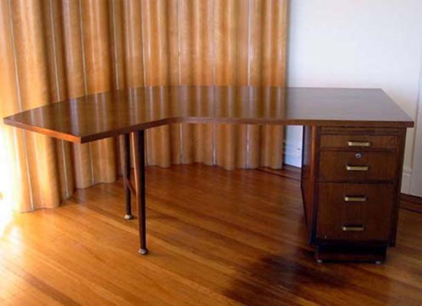Một mẫu bàn Leopold.