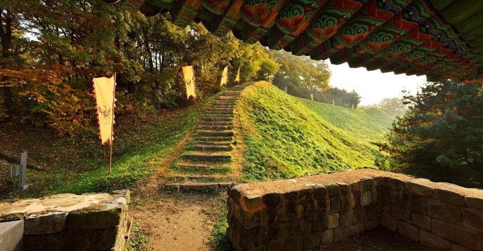 Những công trình tại vương triều Baekje tác động không hề nhỏ đối với sự phát triển kiến trúc tại Hàn Quốc và các quốc gia lân cận trong thời kỳ sau đó.