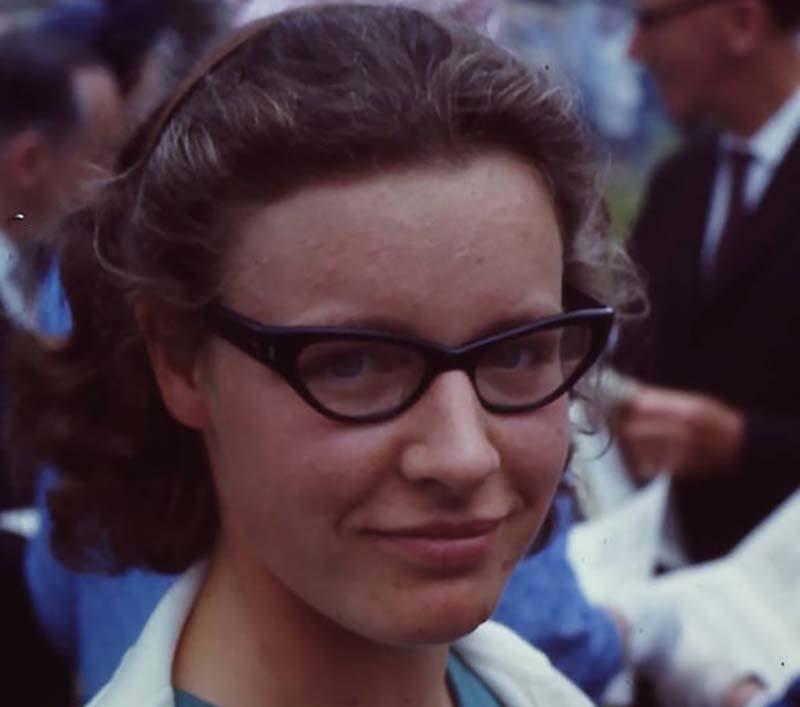 Jocelyn Bell Burnell - người đầu tiên quan sát, phân tích các ẩn tinh