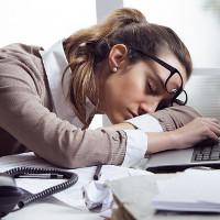 Lý do bạn buồn ngủ cả ngày