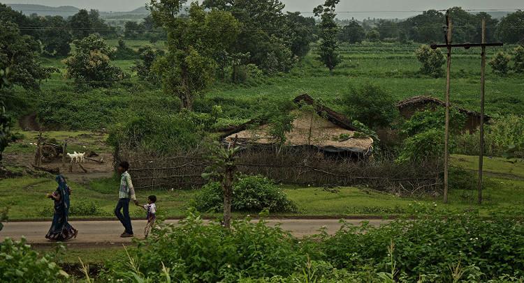 Một ngôi làng ở huyện Khargone, Ấn Độ.