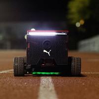 Puma giới thiệu robot chạy ngang với Usain Bolt