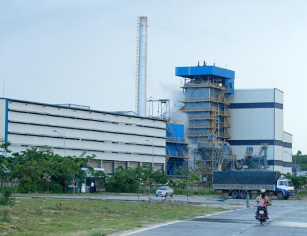 Nhà máy nhiên liệu sinh học Bio-Ethanol Dung Quất có công suất chế biến 100 triệu lít Ethanol mỗi năm.