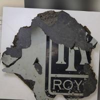 Buồng lái của MH370 có thể đã bị xé toạc