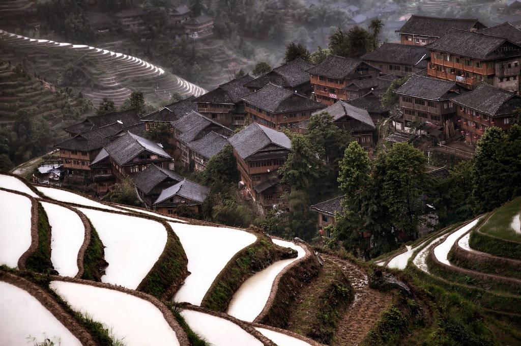 Một ngôi làng vùng núi ở Trung Quốc