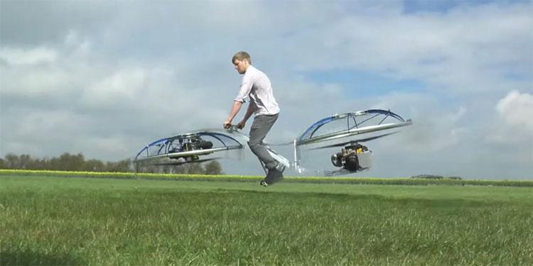Chiếc xe này cũng làm được một điều theo đúng tên gọi của nó, đó là đưa người lái bay lên khỏi mặt đất.