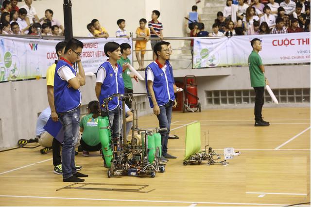 Trong cuộc thi này, lần đầu tiên 1 đội của đại học Lạc Hồng chịu thất bại trước 1 đội tuyển đến từ trường khác.