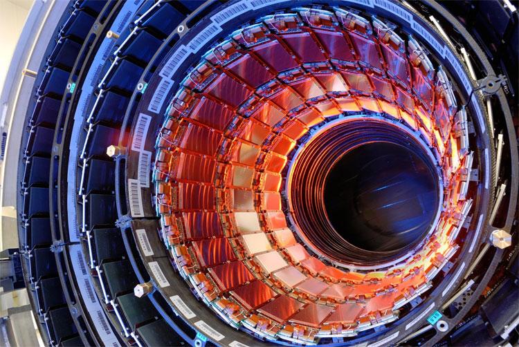 Giới khoa học đảm bảo, rủi ro của máy gia tốc hạt không đủ mạnh.