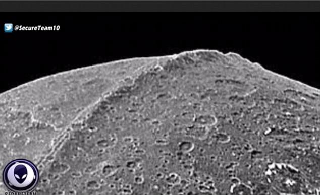 Dãy núi lửa khổng lồ có chiều dài 16.000km, rộng 20km quanh phần được cho là khu vực xích đạo Tyler của hành tinh Iapetus.