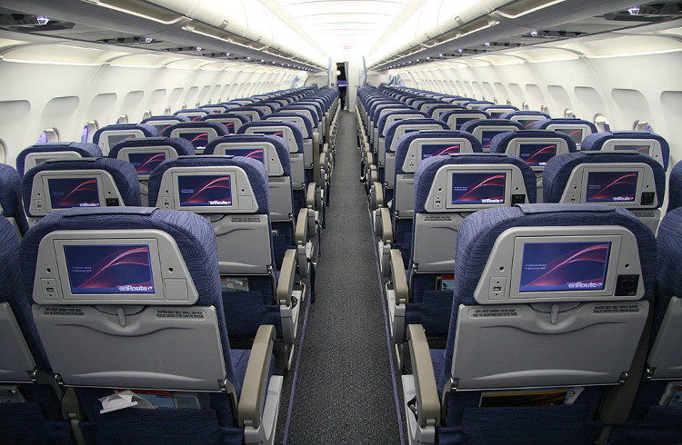 Khoảng 10 USD còn lại sẽ là lợi nhuận của hãng hàng không.