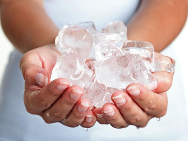 Bàn chân và bàn tay lạnh buốt bất thường có thể bạn đang gặp vấn đề về lưu thông máu.