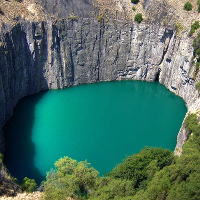 17 hố lớn kỳ lạ nhất thế giới