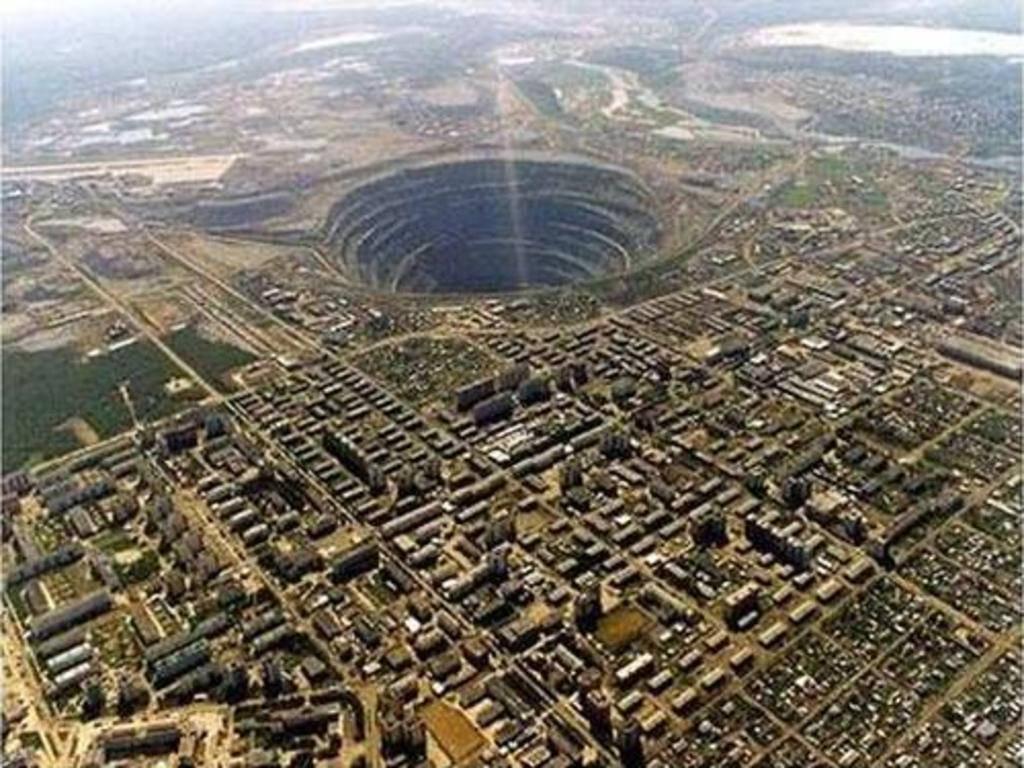 Mỏ kim cương Mirny - Siberia
