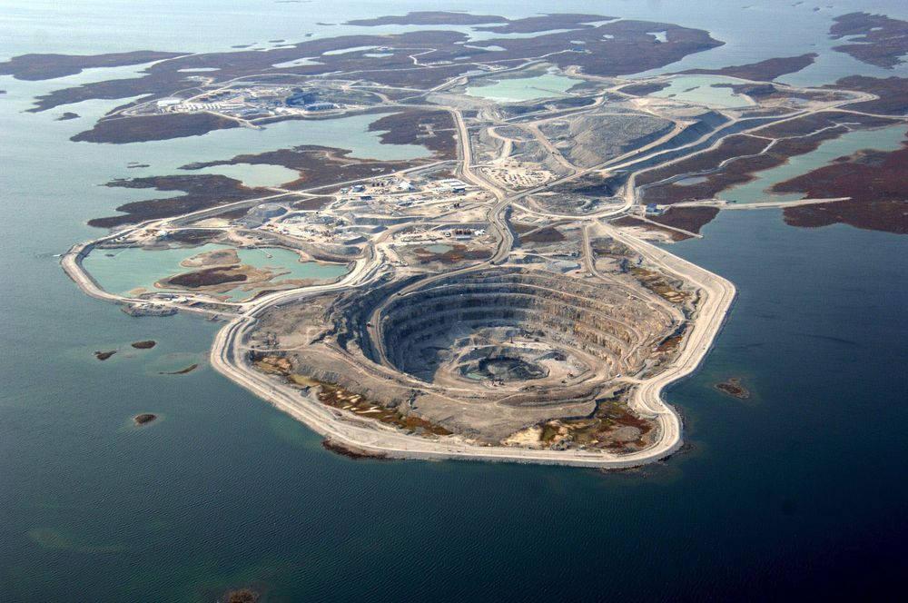 Mỏ kim cương Diavik - Canada
