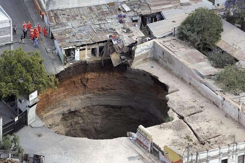 Hố sụt Guatemala