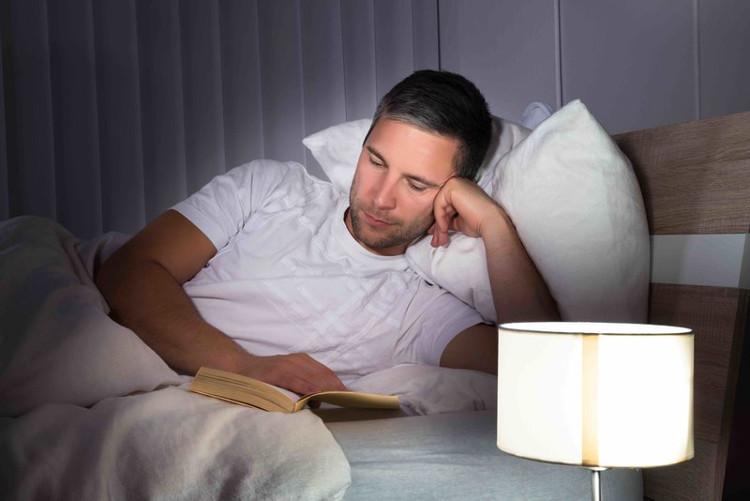 Bạn khó ngủ vào ban đêm hay một giấc ngủ không sâu, chập chờn là cảnh báo của nhiều vấn đề.