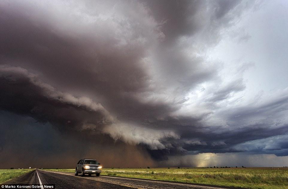 Marko trên đường đi săn những cơn bão tử thần.