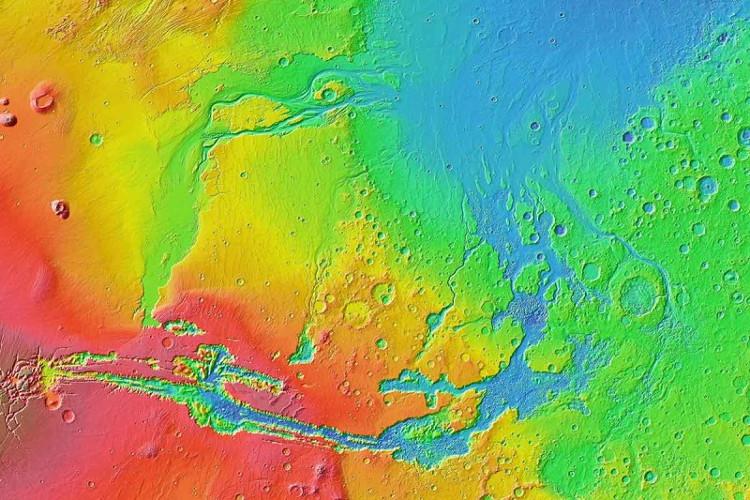 Ảnh nhiệt vùng Valles Marineris trên sao Hỏa.