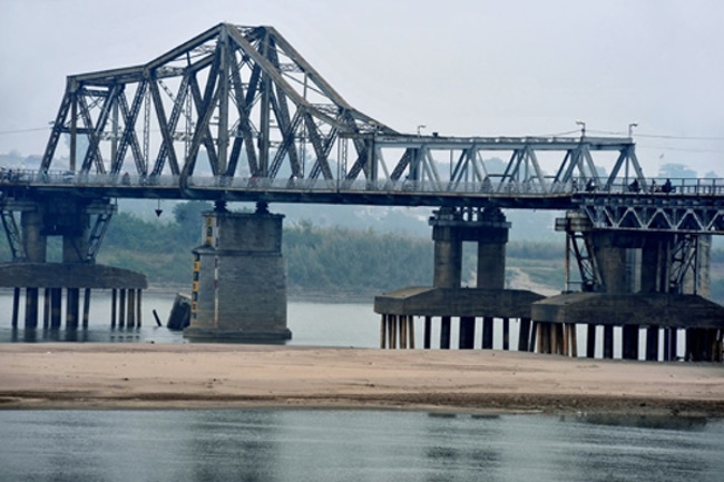 Cầu Long Biên được xây dựng từ đầu thế kỷ 20
