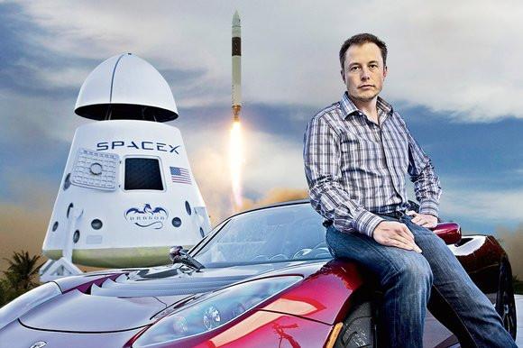 SpaceX và Tesla Motor vẫn là ưu tiên hàng đầu