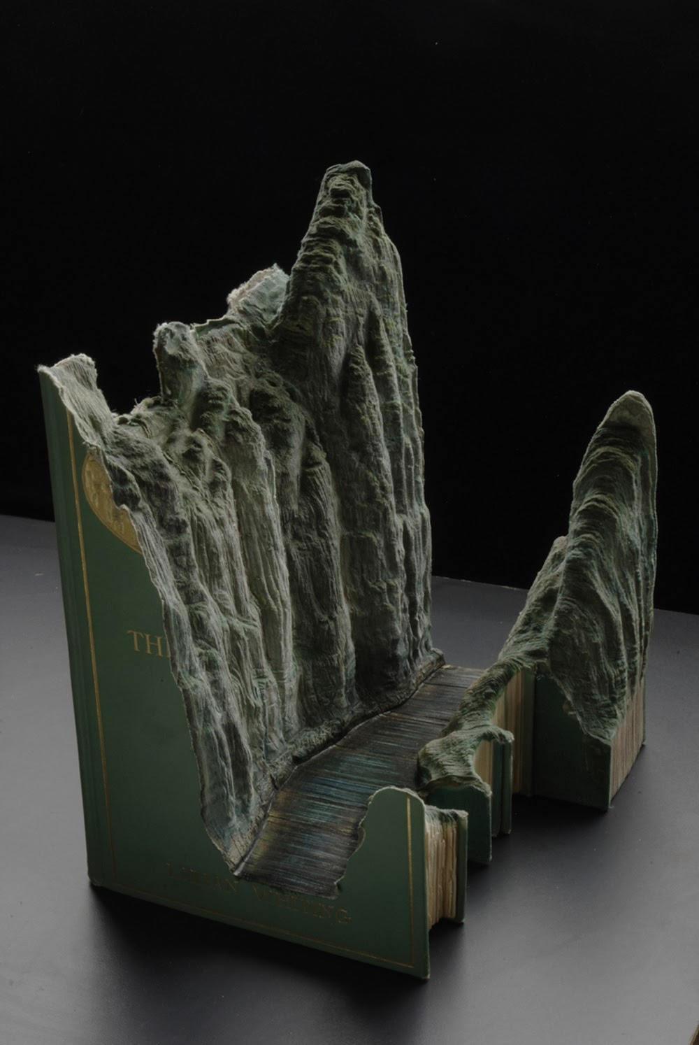 Người nghệ sĩ này cho rằng kiến thức là sự xói mòn chứ không phải sự vun đắp.