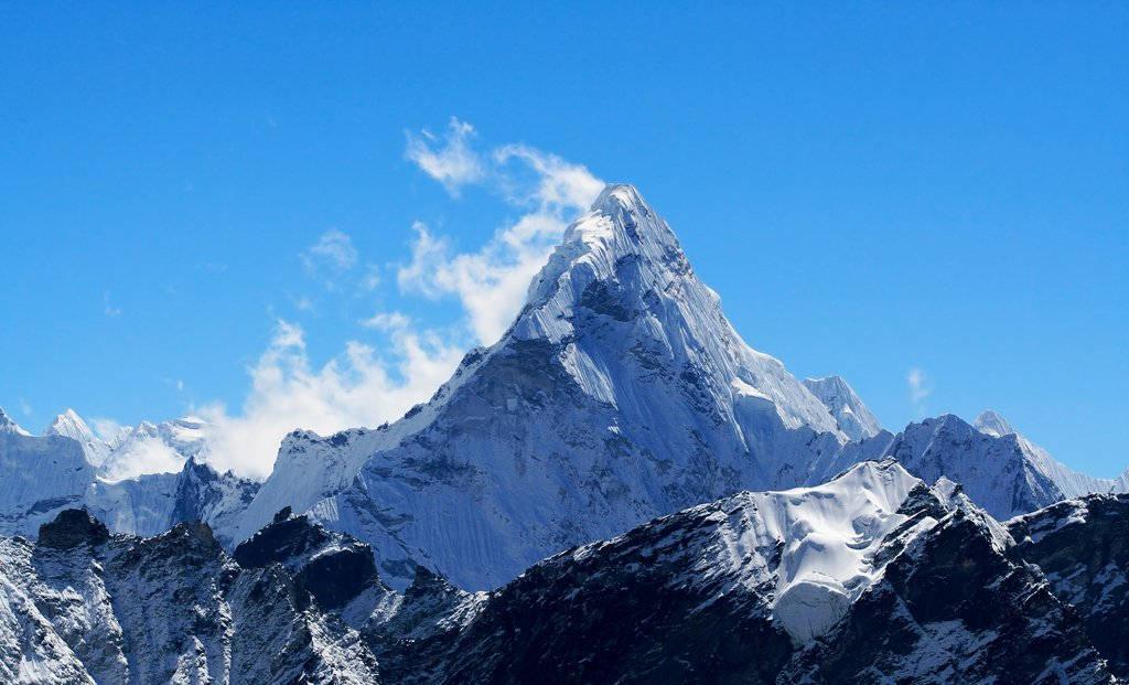 Núi Everest (chiều cao: 8.850m)