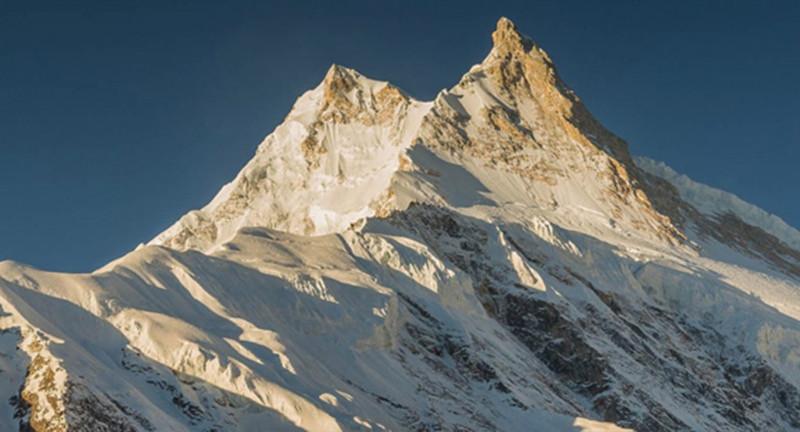 Manaslu (chiều cao: 8.163m)