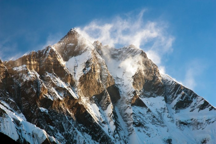 Lhotse (chiều cao: 8.516m)
