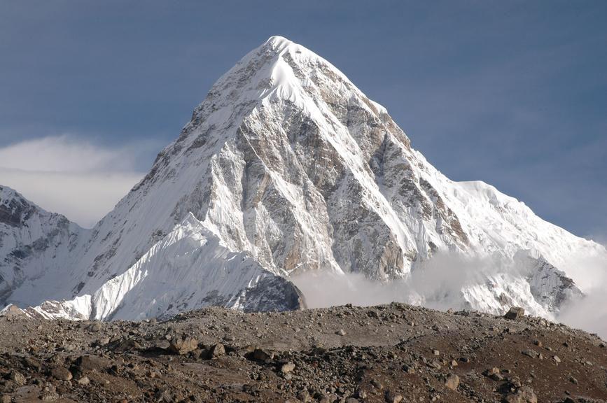 Makalu (chiều cao: 8.485m)
