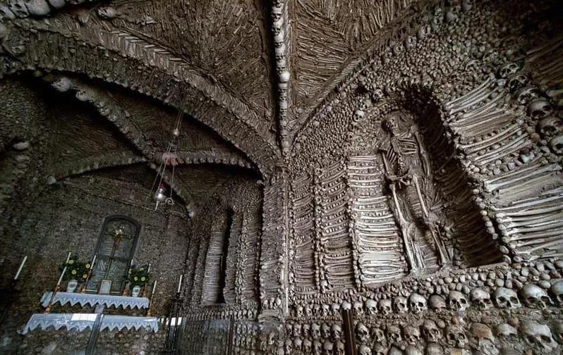 Hầm mộ xương người