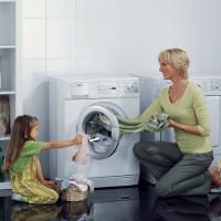 Các ký hiệu trong máy giặt và trên nhãn mác quần áo cần biết