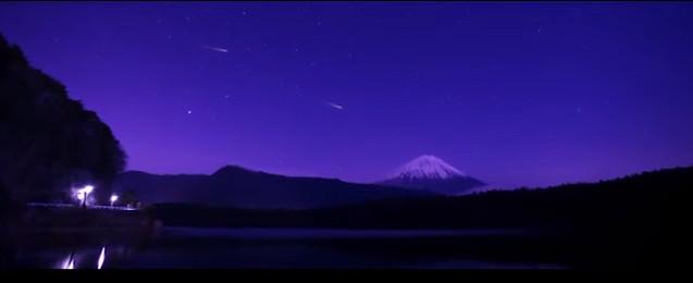 Thay vì pháo hoa, khán giả sẽ nhìn thấy hàng trăm quả cầu lửa nhỏ rơi xuống từ bầu trời Tokyo.