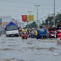 Cách chăm sóc xe sau khi bị ngập mưa