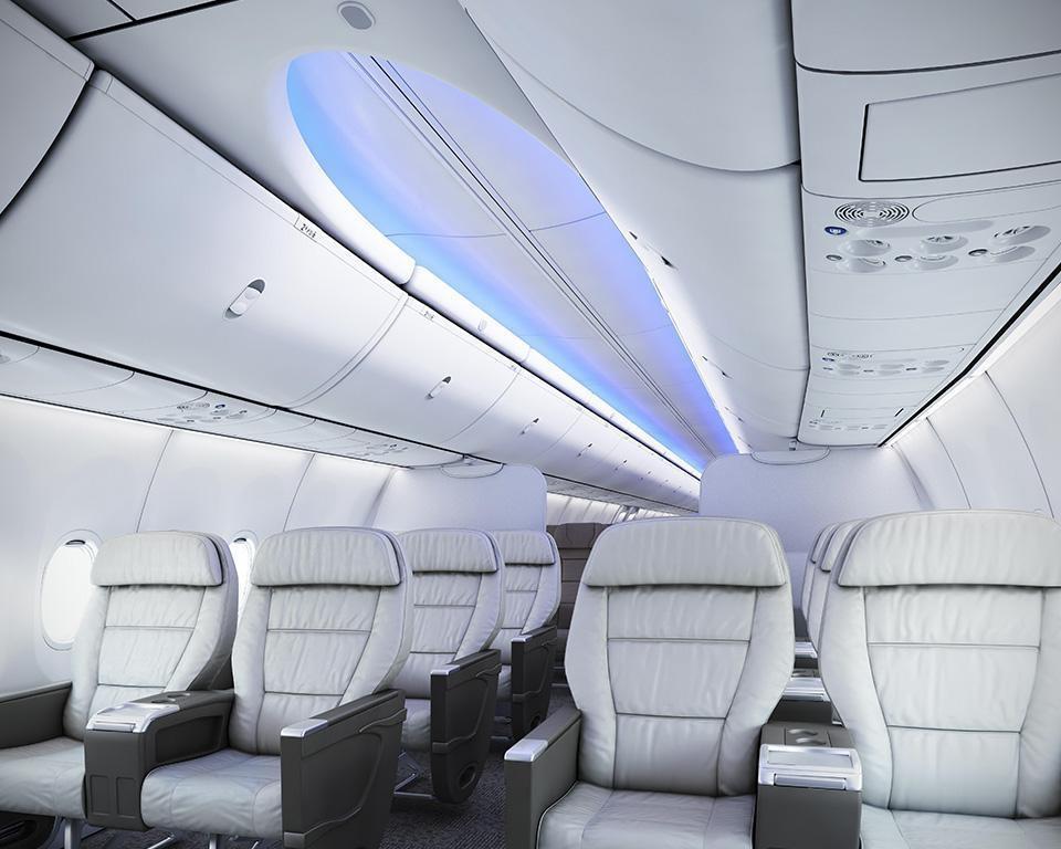 Máy bay được thiết kế thêm một cửa thoát hiểm.