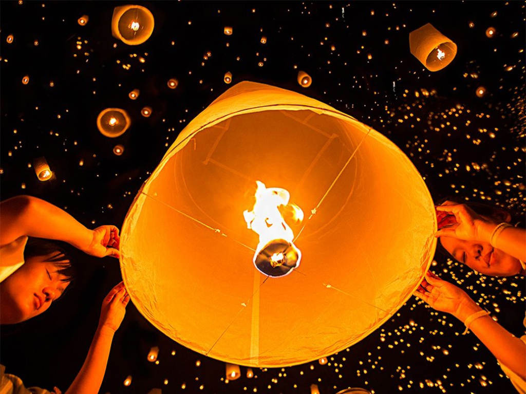 Lung linh lễ hội đèn trời ở Chiang Mai, Thái Lan