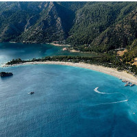 Bãi biển có nước xanh trong nhất thế giới
