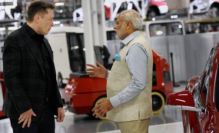 Musk từng gặp Thủ tướng Ấn Độ Modi để bàn về xe điện và công nghệ pin lưu trữ điện mặt trời.