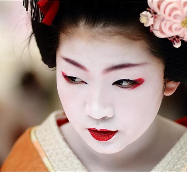 Các cô gái trẻ sẽ phải nghỉ học nếu muốn làm geisha.