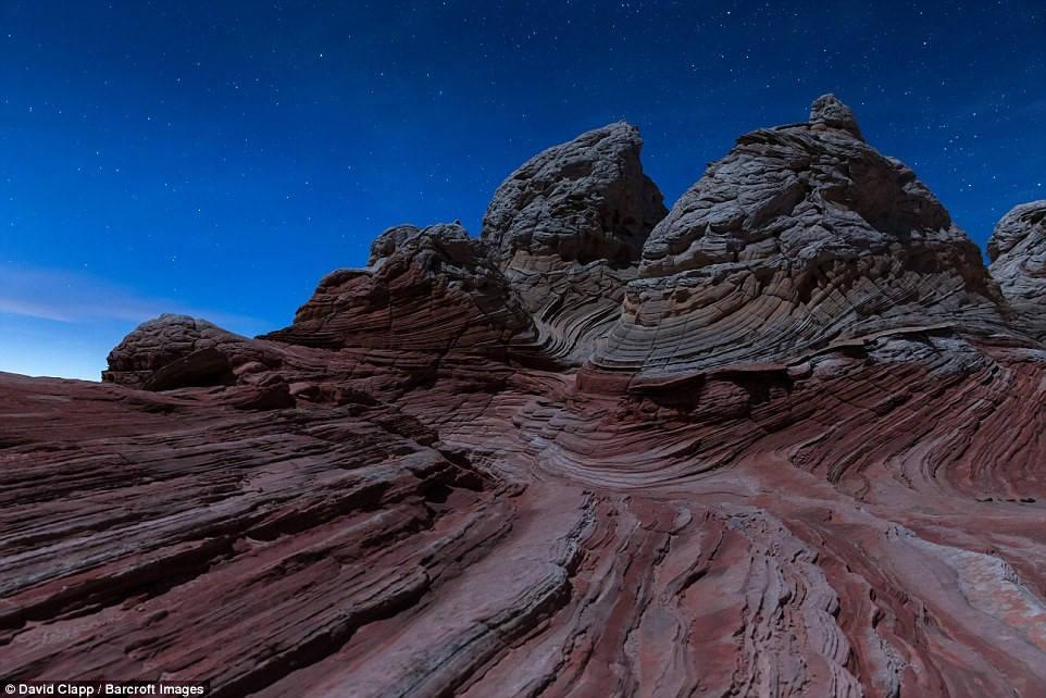 Nhiếp ảnh gia 45 tuổi hy vọng khi xem những bức ảnh này, người ta sẽ có cảm giác như đang ở một hành tinh khác. White Pocket về đêm có hoang vu, lạnh lẽo.