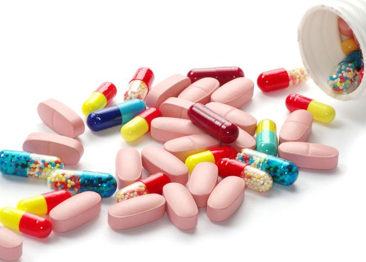 Nhiễm trùng đường hô hấp trên, cúm là do virus gây ra. Kháng sinh chỉ có thể tiêu diệt vi khuẩn.