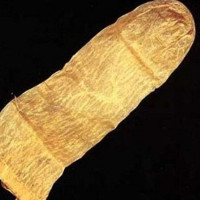 Những sự thật kinh hoàng về bao cao su thời cổ đại