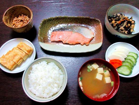 Bữa sáng truyền thống của người Nhật.