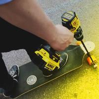 Video: Lác mắt với chiếc ván trượt chạy bằng máy khoan không thể sáng tạo hơn