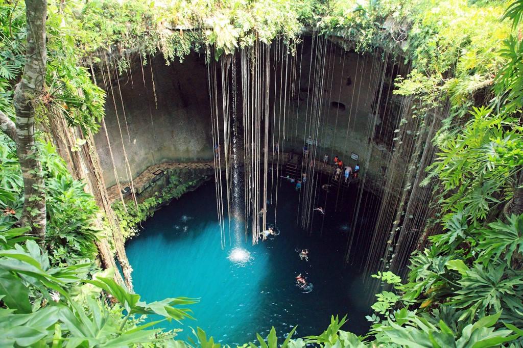 Hố sụt Ik Kil, bán đảo Yucatan, Mexico