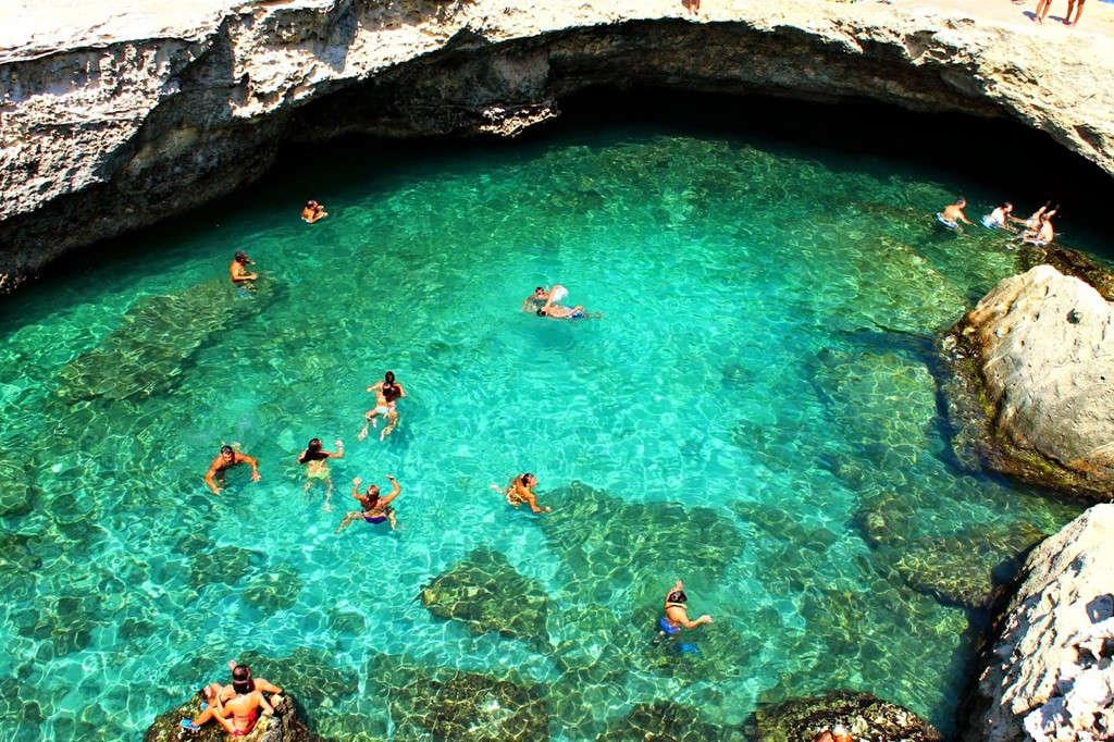 Grotta della Poesia, Rocha Vecchia, Italy