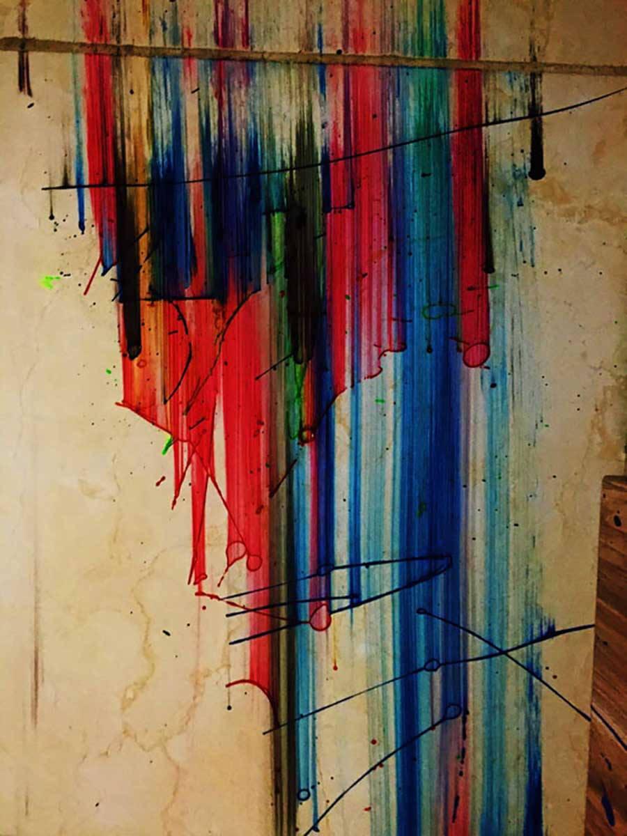 Ngẫu hứng vẽ bậy lên tường đôi khi còn đẹp hơn cả lúc ngồi vẽ tử tế trong lớp học.