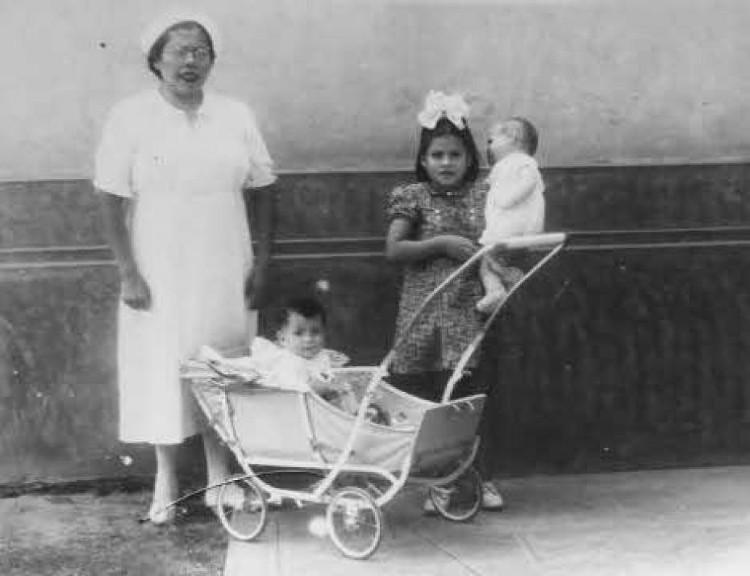 Gerardo đón nhận người em trai của mình vào năm 1972, sau khi Lina Medina kết hôn với Raul Jurado.