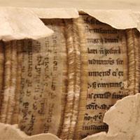 Phát hiện kho bản thảo từ thời trung cổ được dùng để đóng bìa sách