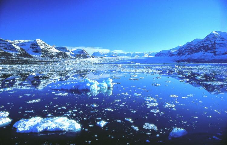 Lớp khí methane bị đóng băng dưới thềm lục địa nay cũng dần nổi lên với tốc độ rất đáng báo động.